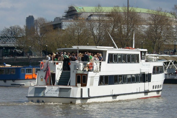 thames-christmas-cruise