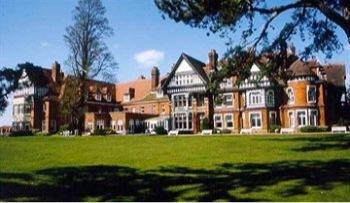 woodlands-park-hotel