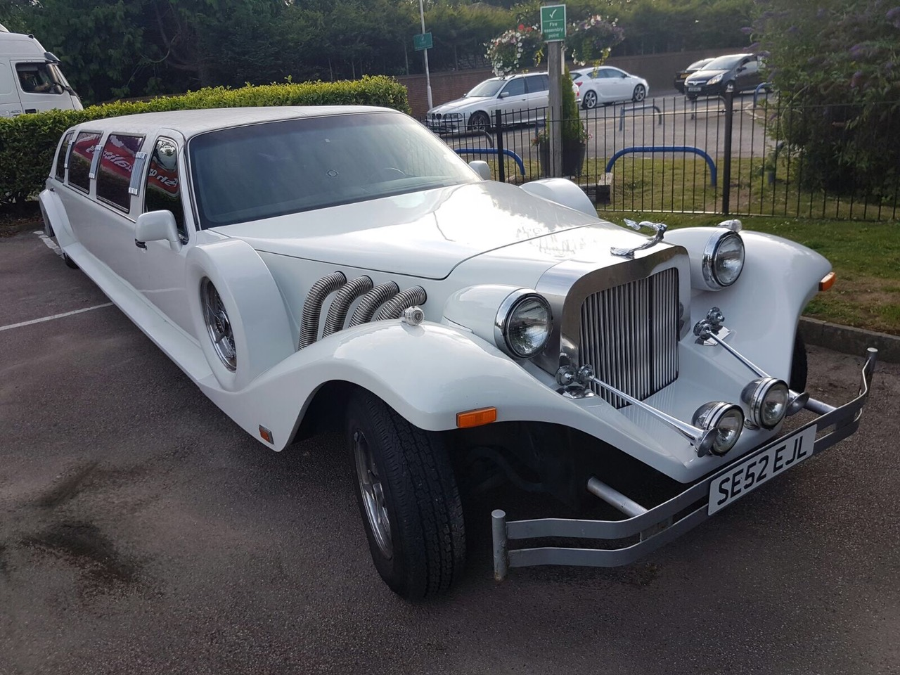 excalibur-limo-front
